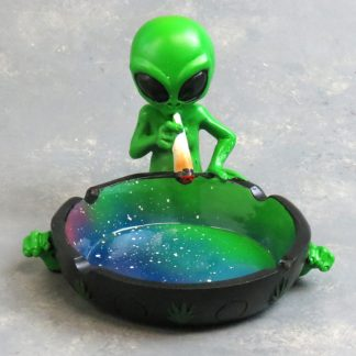 "4"" Smoking Alien Cosmic Ash Tray"